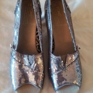 NEW Authentic TOMS Pewter Sequin Wedge